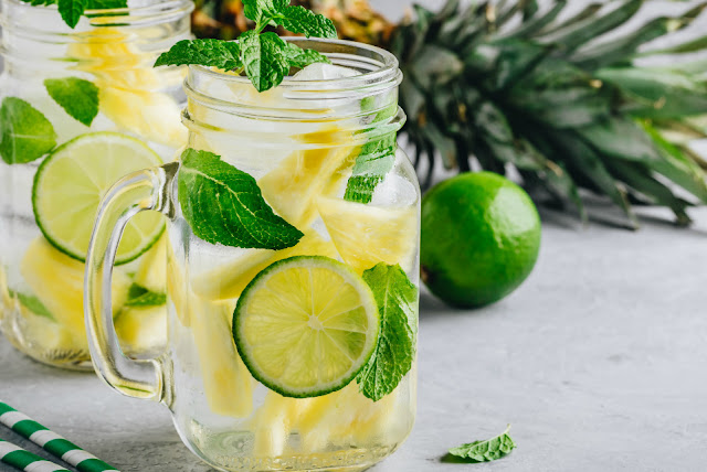Pineapple, lime and pineapple detox water 1