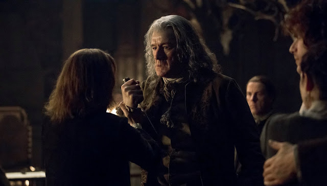 "Abuelo de Jamie, 2x08 ""The Fox's Lair"" de 'Outlander'"