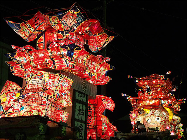 Tsuzawa Yotaka Andon Festival in the Tsuzawa district of Oyabe, Toyama Prefecture