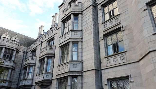 iltapäivätee tarjoilut, luksushotelli, kartano, linna irlannissa, iltapäivätee, Adare, Manor, irlanti, kauniit ikkunat