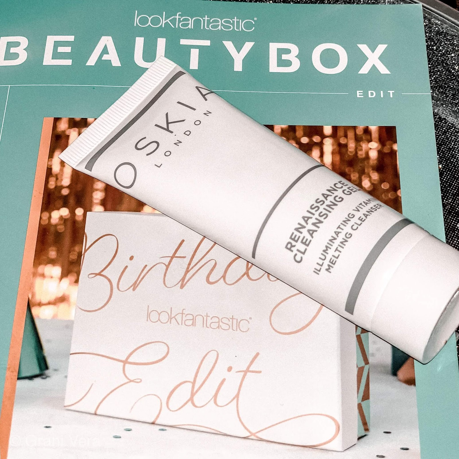 unboxing-lookfantastic-birthday-box