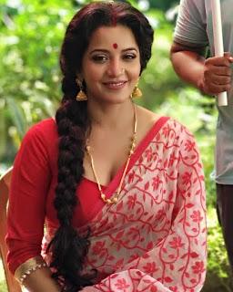 actress hot images in sari