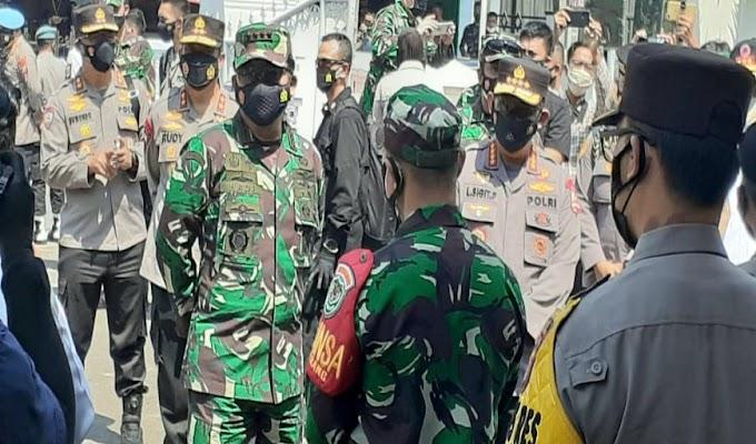 Panglima TNI, Kapolri Beserta Jajaran Kunjungi Kelurahan Serang Terkait Penanganan Covid-19