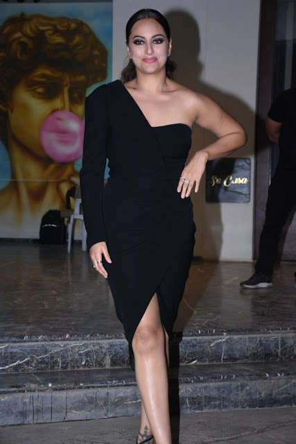 Sonakshi Sinha hot legs, hot thigh, Sonakshi Sinha hot legs images