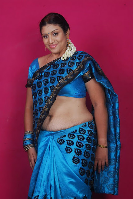 Latest Movies Galleri Telugu Serial Aunty Uma Hot Navel -4238