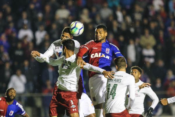 33e368b4c0 Paraná supera Fluminense