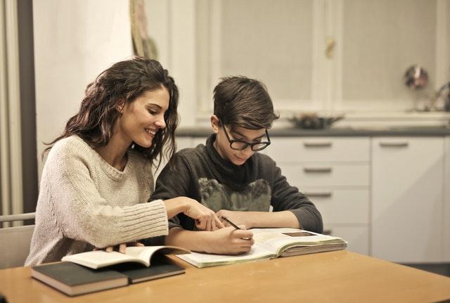 5 Pekerjaan Part Time untuk Mahasiswa