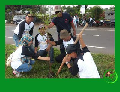 Aksi MASSAL Hari Bumi tanam pohon di jalur kiri kanan Cilameri - Otista Subang.