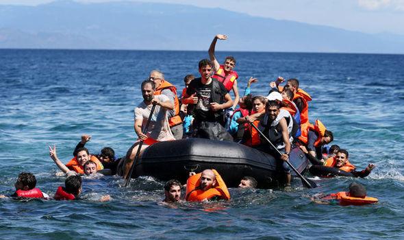 برنامج إعادة التوطين سيجلب أكثر من أربعين ألف لاجئ لأوروبا للحد من خطر الغرق في البحر المتوسط