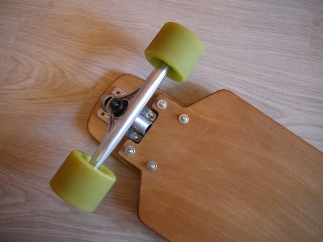 Forked plywood drop-down longboard