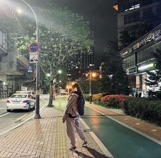 Rapper Yuk Jidam posing for photo in the roadside