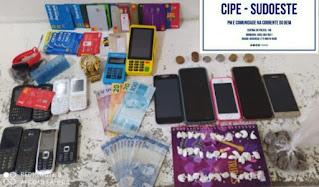 Criminoso é flagrado com cartões de crédito clonados e drogas, em Conquista