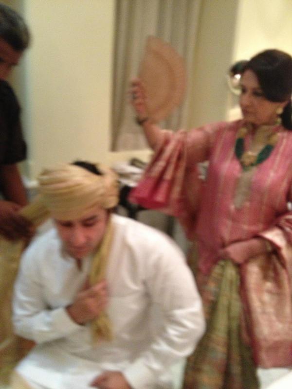 Asha Ashish: Saif Ali Khan and Sharmila Tagore at his wedding