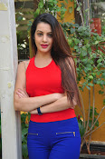 diksha panth latest sizzling pics-thumbnail-5