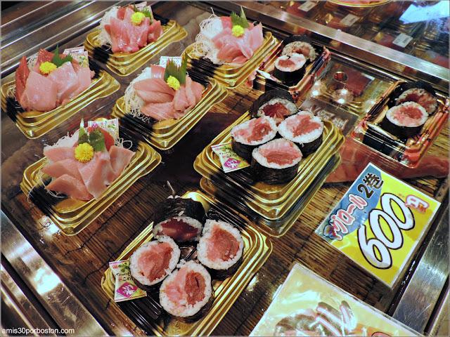 Sushi en el Mercado de Pescado de Tsukiji, Tokio