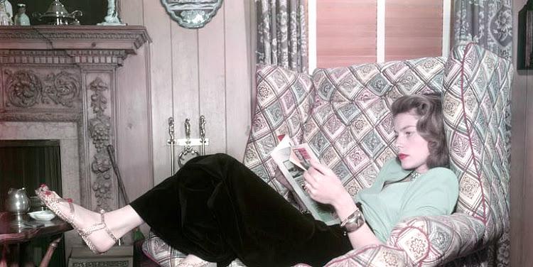 A Vintage Nerd Vintage Blog Celebrity Readers Old Hollywood Stars Classic Film Blog Lauren Bacall