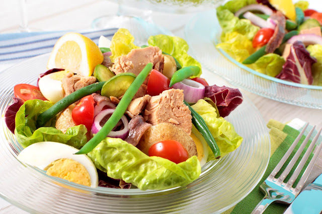 cara membuat salad buah dan sayur