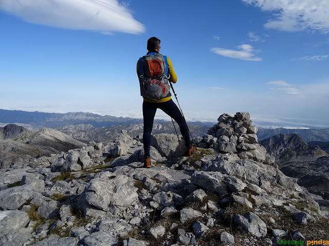 Cima del Pico Valdominguero en el Macizo Oriental de Picos de Europa