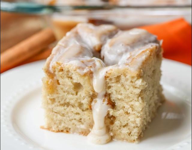 Pumpkin Cinnamon Roll Cake #cake #desserts