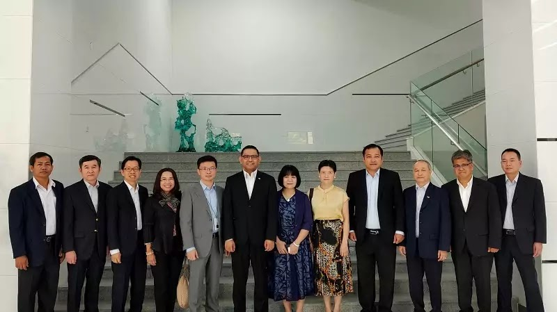 ASEAN Consulate-Generals Made First Visit to OPPO Headquarters