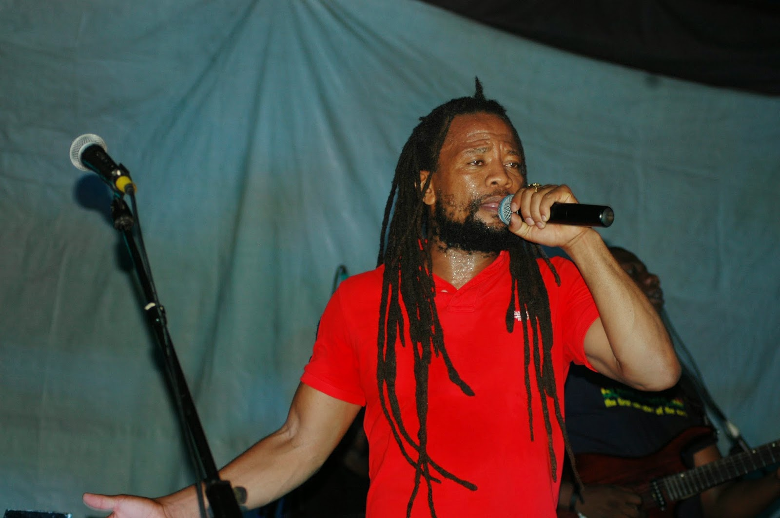 Luciano conquers malawi as he performs over 2hrs non stop