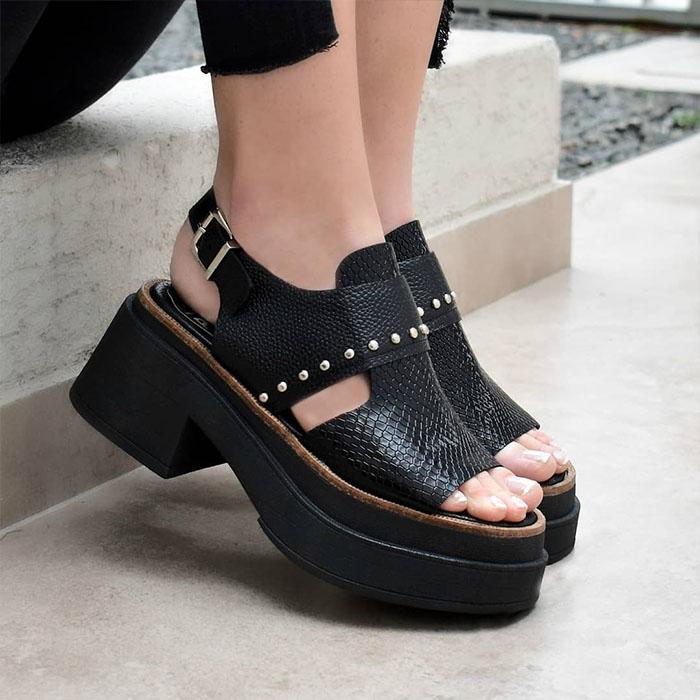 Sandalias de mujer de cuero 2020. Sandalias verano 2020 de cuero y cómodas.
