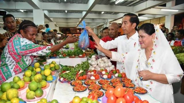 Sambutan Luar Biasa Masyarakat Asmat Pada Presiden Jokowi, Sampai Diberi Gelar....
