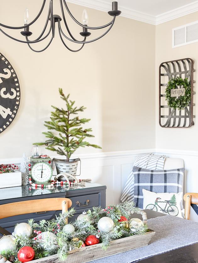 Christmas home tour, christmas, modern farmhouse, holiday home , Classic christmas, dining room, vintage ornaments