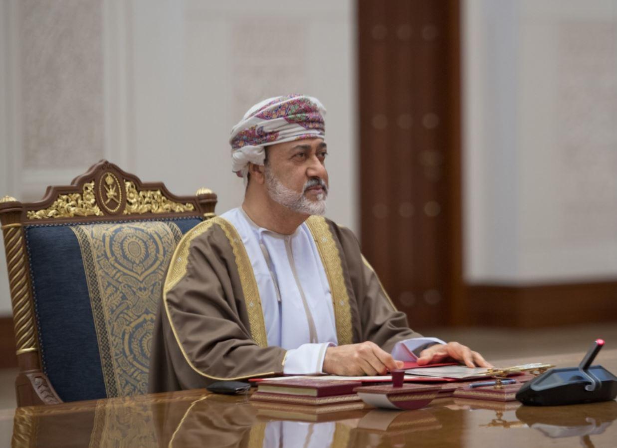 سلطنة عمان ستمنح إقامة لمدد أطول للمستثمرين الأجانب وستخفض معدل ضريبة الدخل على المؤسسات الصغيرة والمتوسطة في 2021