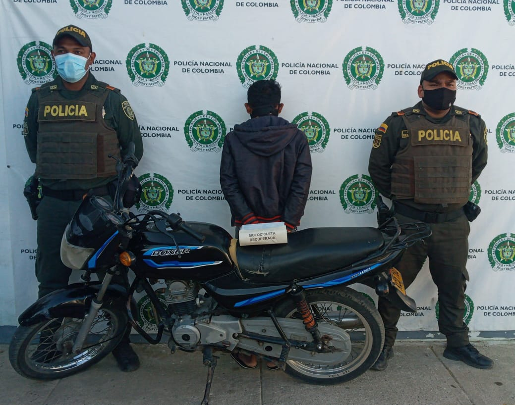 hoyennoticia,com, Con una moto robada en Fonseca lo pillaron en Uribia