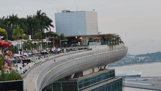 Infinity Pool o piscina infinita del Marina Bay Sands Hotel. Singapore.