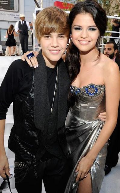 Foto de Selena Gómez feliz junto a Justin Bieber