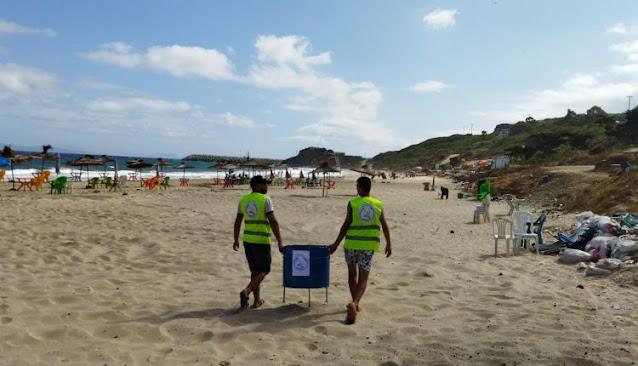 متطوعون شباب يخلصون فضاءات شاطئية من أكوام النفايات بالفحص أنجرة