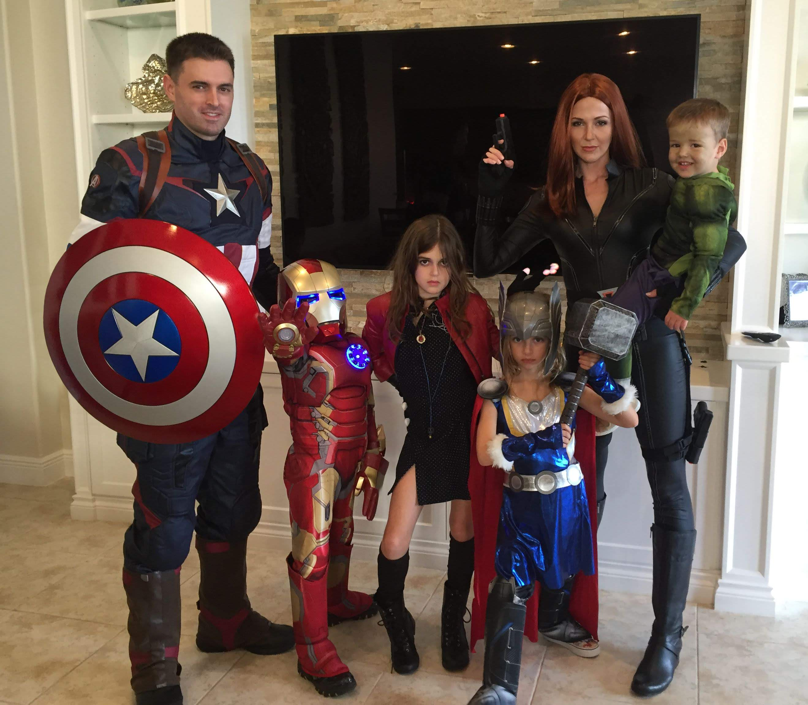 Avengers Infinity Family : ハロウィンの素敵なアベンジャーズ・インフィニティ・ファミリー ! ! 🎃