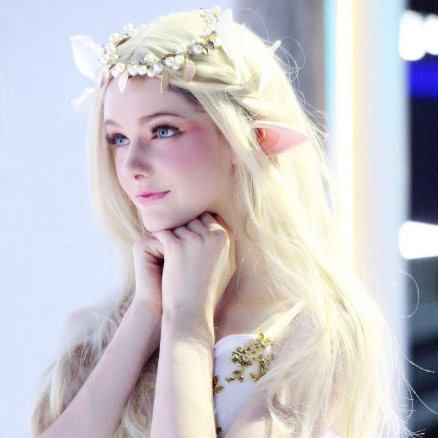 Savanna Blade, Model Cantik Bak Boneka