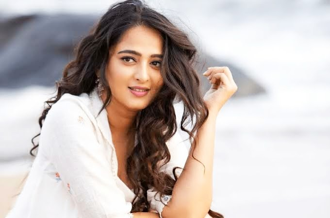 Anushka Shetty Wiki, Family, House, Income, Net Worth, Age, Height, Lifestyle, and Biography
