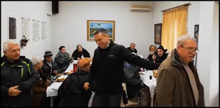 """""""Χορηγός"""" του Κασιδιάρη, υποψήφιου δημάρχου της Χ.Α., η επίσημη θρησκεία;"""