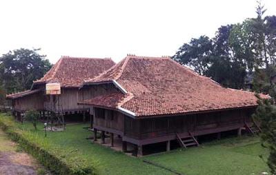 Inilah Gambar Rumah Asli Yang Ada di Uang Rp 10.000