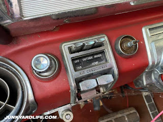 1962 Pontiac Grand Prix has tons of options including air conditioning.