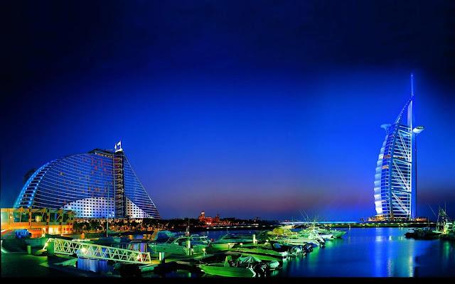 دبي بلون السماء