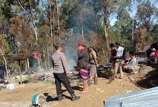 Diduga korsleting Listrik Satu Rumah Di Karre Penanian Ludes Terbakar