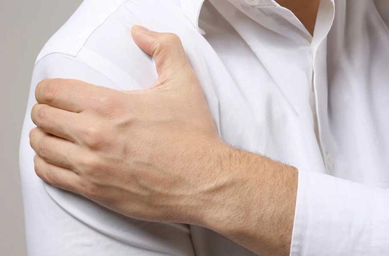 Gömlek düğmelerinizi iliklerken bile zorlanabilirsiniz