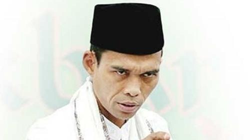 Soal Penutupan Masjid, Gus Sahal Sindir UAS: Kalau Konsisten, Harusnya Marah-Marah Juga ke Saudi