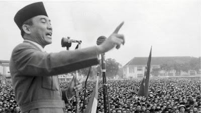 Ini Puisi Soekarno Tentang Indonesia, Berbeda Dengan Putrinya Bukan?