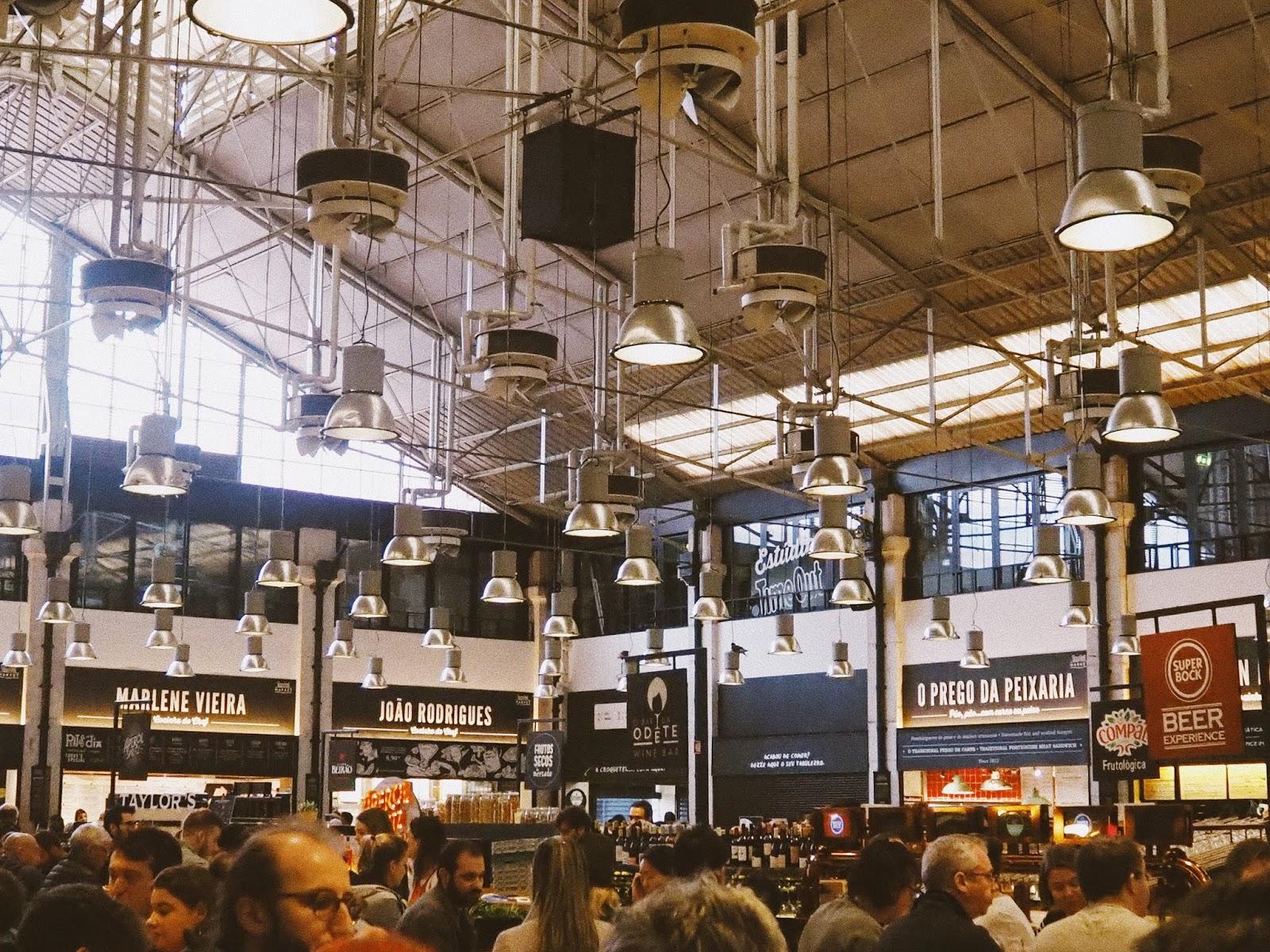 time-out-market-lisbon-food-stalls