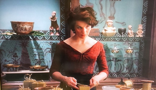 film review chocolat Movie reviews for chocolat mrqe metric: see what the critics had to say and watch the trailer.