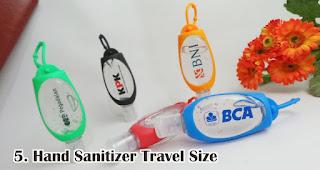 Hand Sanitizer Travel Size merupakan salah satu pilihan isian hampers menarik untuk awal tahun
