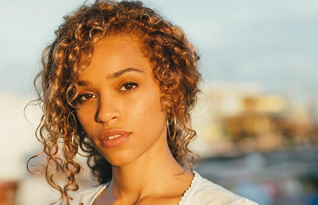 Video: Izzy Bizu - Mad Behaviour