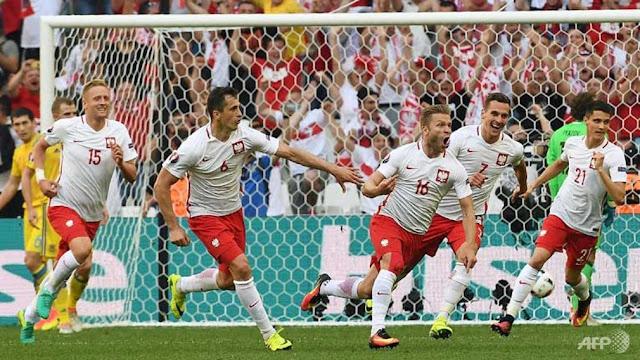 بولندا - البرتغال.. صحوة ليفاندوفسكي أم استمرار حلم رونالدو؟