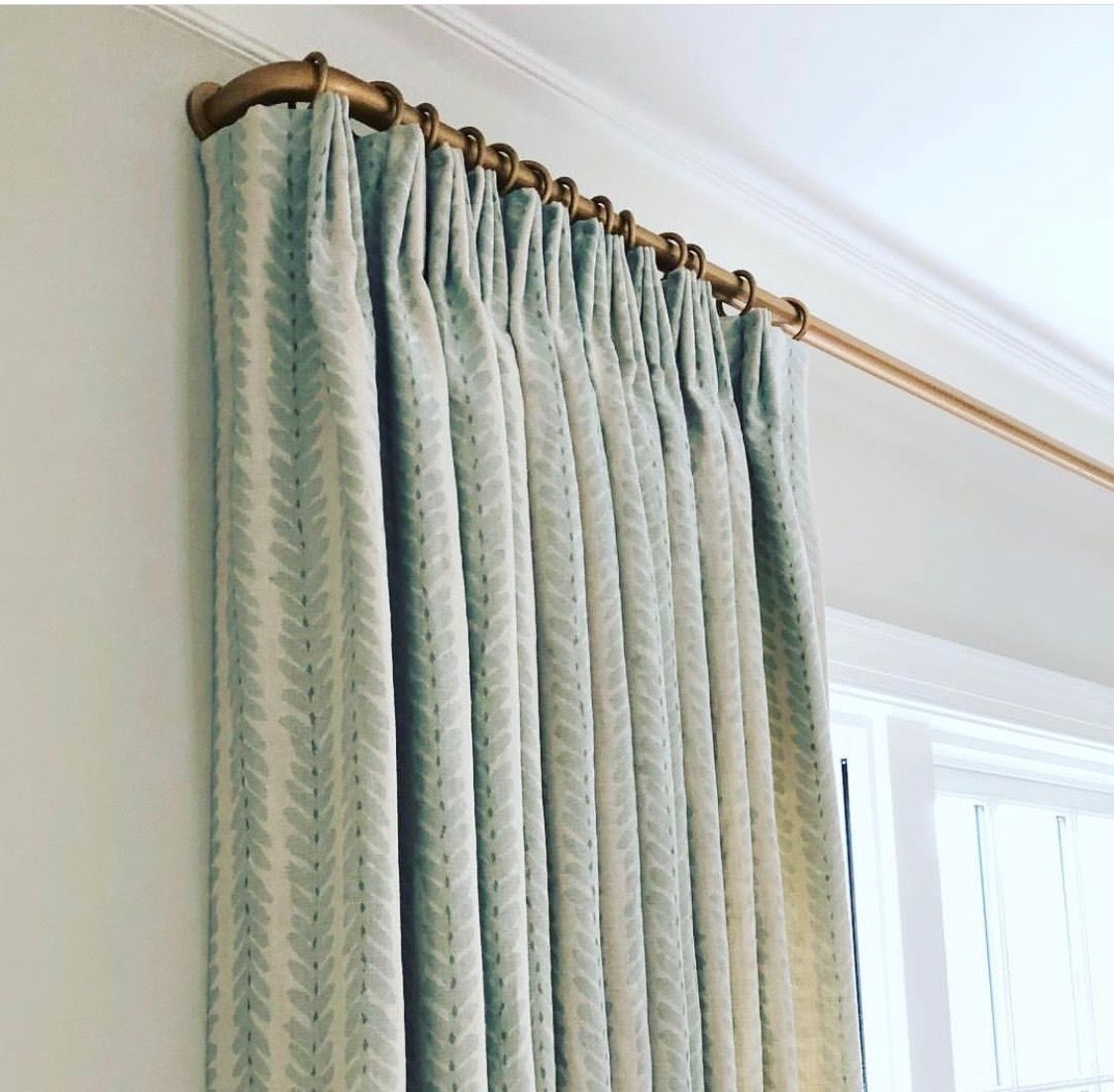 the pink clutch french curtain rods